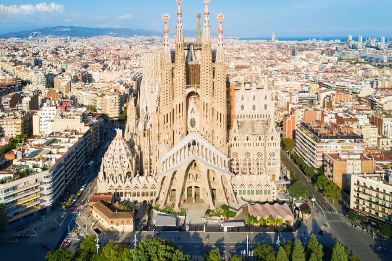 Cosa vedere a Barcellona: la città di Gaudì e della Sagrada Familia
