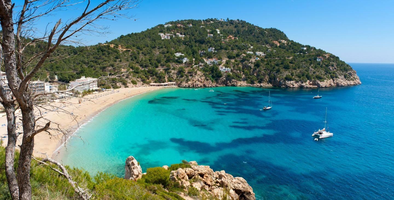 Ibiza, cosa vedere: tutto ciò che devi sapere sulla più gettonata isola estiva