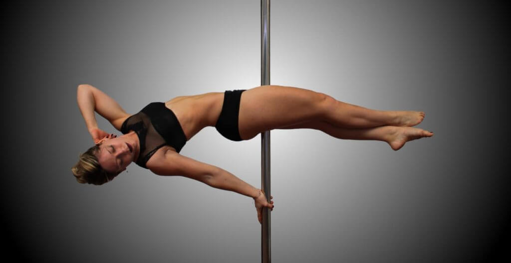 Pole dance benefici: gli effetti sul corpo di questo nuovo sport