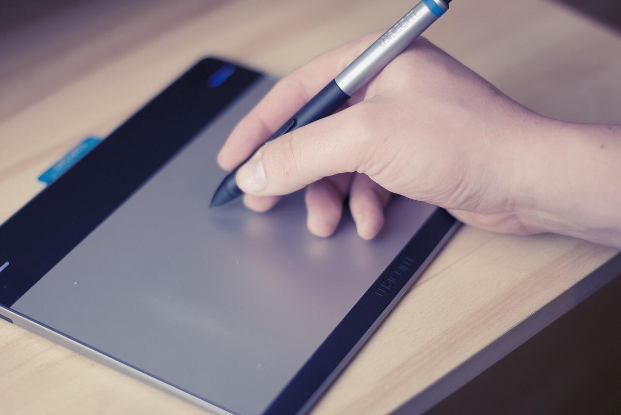 Penna per tablet, quale scegliere e come crearne una fai da te