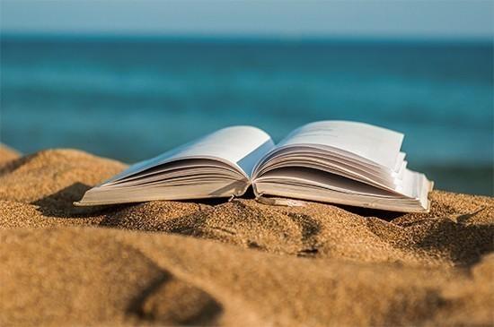 Libri sotto l'ombrellone, i libri da leggere in vacanza